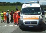Cadono in motorino, feriti due ragazzini davanti al Tourlè