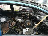 Incendio doloso, in fiamme una Peugeot 206