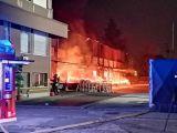 Agrate, centro logistico divorato dalle fiamme