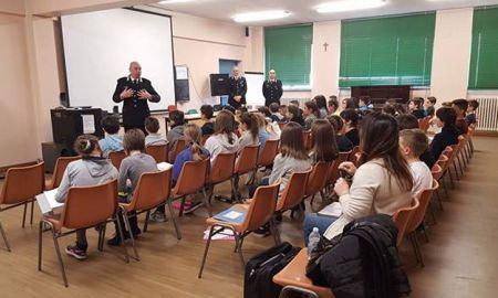 carabinieri_scuola.jpg
