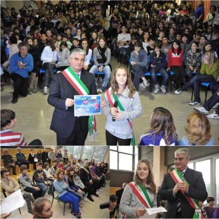 b_450_500_16777215_00_images_consigliocomunaleragazzi2010.jpeg