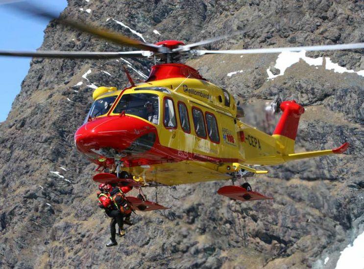 Tragedia in montagna, muore volontario