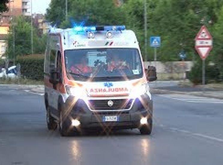 Aggressione in via Veneto, ferito un ventisettenne